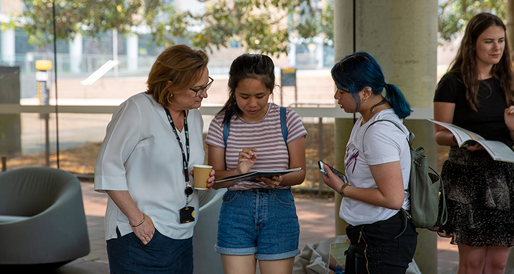 Gateway students with a UNSW staff member