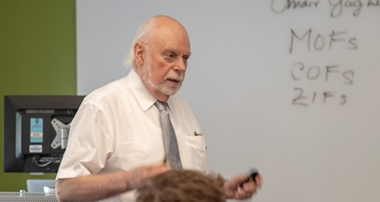 Sir Fraser Stoddart teaching in the classroom